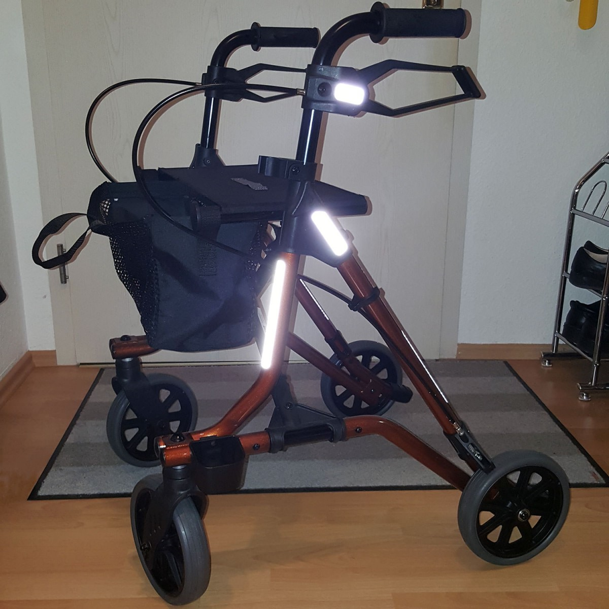 reflektor set zum kleben f r fahrrad kinderwagen. Black Bedroom Furniture Sets. Home Design Ideas